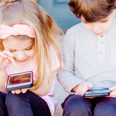 Children online, smartphone
