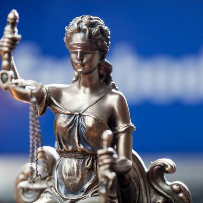 Facebook, legal scales
