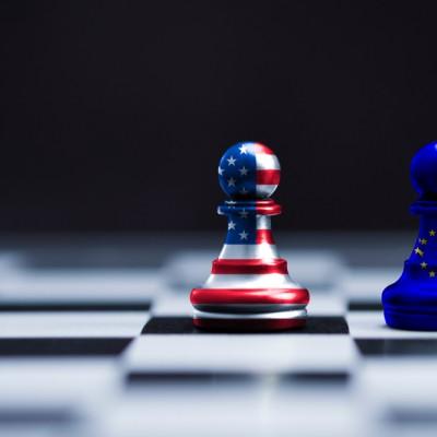EU US chess peices